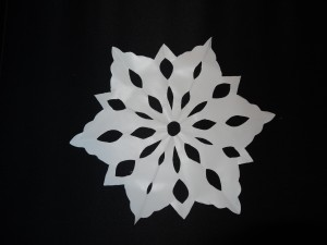 Easy Snowflake Window Decorations