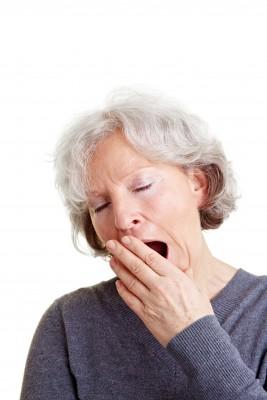 older woman alzheimers insomnia