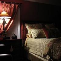7 Ways to Create Total Darkness in Your Bedroom